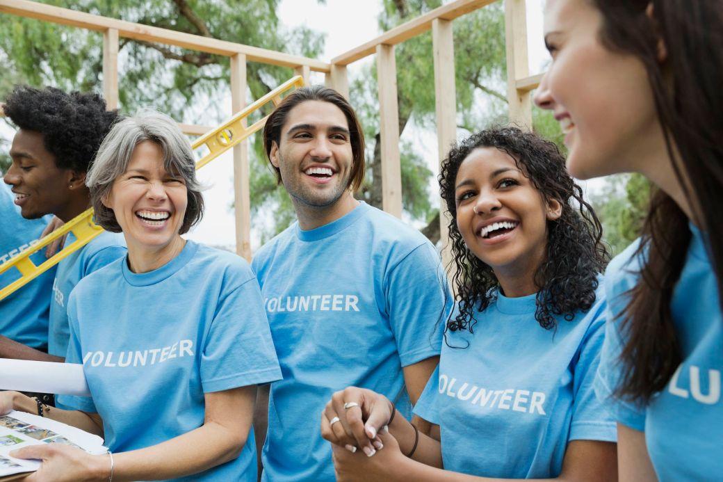 volunteers18-5b2fe1c9a474be0036f6a7b2